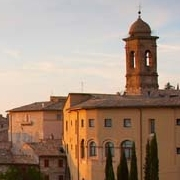 Photo of Assisi, Italy at dusk